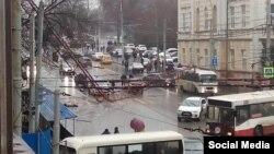 Ростов, падение строительного крана, фото – Константин Кривошеев