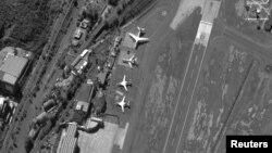 Российские Ту-160, Ил-62 и Ан-124 в аэропорту Каракаса в декабре 2018 года. Спутниковый снимок