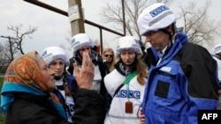 Наблюдатели ОБСЕ в Широкино, Донбасс