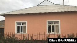 Дом с разбитыми окнами в селе Шорнак. 23 июля 2020 года.