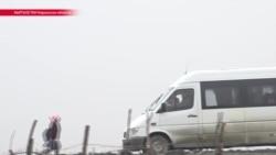 В кыргызской деревне родители купили детям школьный автобус