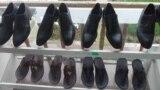 В Таджикистане могут ввести единую школьную обувь