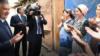 """Просто с жиру бесится"". Узбекские власти признали, что накануне визита президента швее на час подарили дом"