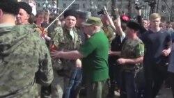 Мэр Москвы наградил атамана, чьи люди 5 мая били демонстрантов