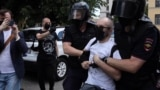 Russia- St. Petersburg - police detain activists during trial of Network members - screen grab