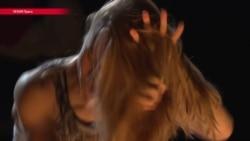 """""""Время секонд хэнд"""": на сцене чешского театра играют книгу Светланы Алексиевич"""