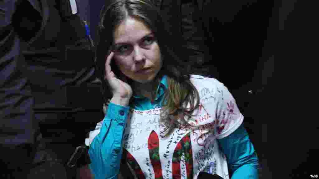 Вера Савченко, сестра украинской летчицы