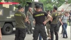 """""""Хотим, чтобы бандиты уехали"""": как жители украинского села оборонялись от рейдеров"""