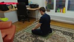 Как живет во Франции чеченская диаспора после вооруженного нападения в центре Парижа