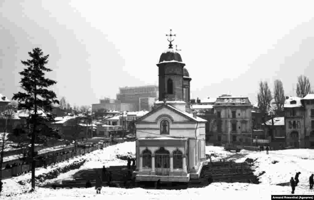 Сегодня на месте, на котором стояла церковь святого Штефана, возвышается здание румынского парламента – оно считается крупнейшим административным зданием в Европе
