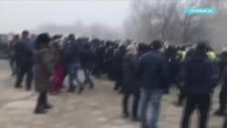 Жители под Полтавой перекрыли дорогу из-за карантинного центра для эвакуированных из Китая