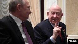 Алексей Леонов с Владимиром Путиным