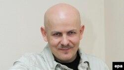 Олесь Бузина в 2012 году во время избирательной кампании в Раду