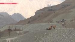Артель Одина и намытое вручную золото. Как жители таджикских сел зарабатывают себе на жизнь