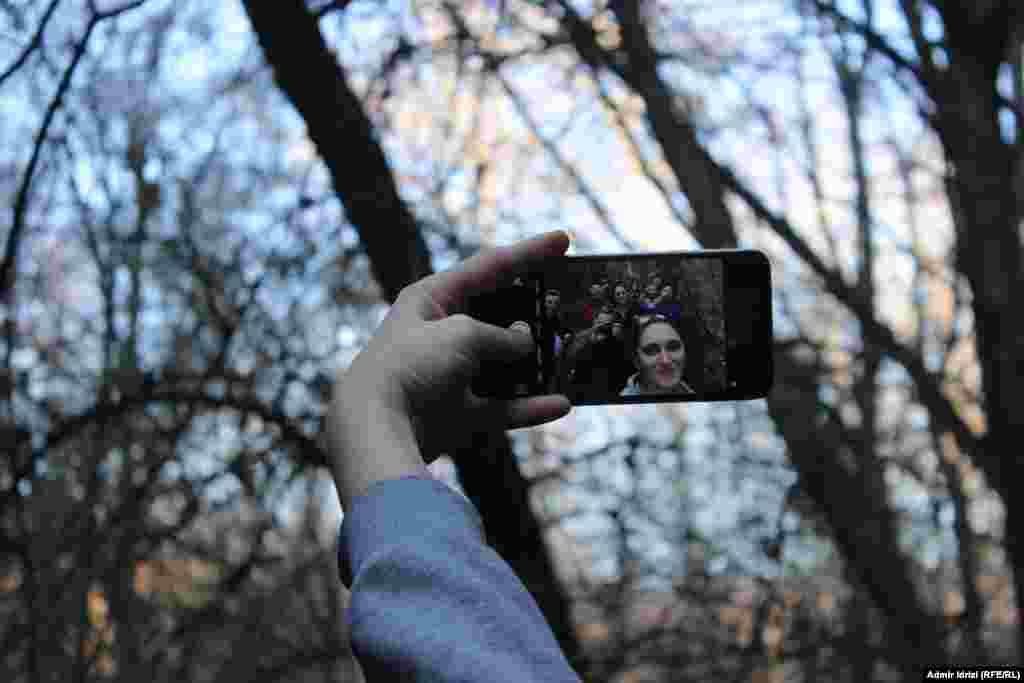 Селфи в селфи в селе Крушево. Фото – Адмир Идризи