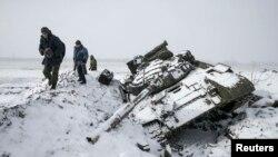 Подбитый украинский танк в Углегорске