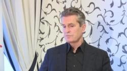 """""""Мы в ужасе"""". Британский актер о ситуации с ЛГБТ в России"""