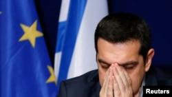 Премьер-министр Греции Алексис Ципрас на переговорах с представителями ЕС