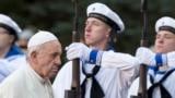 В Эстонии завершает визит по странам Балтии папа римский Франциск