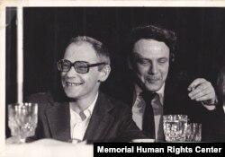 Александр Гинзбург и Владимир Буковский в США в мае 1979 года. Архив Международного Мемориала