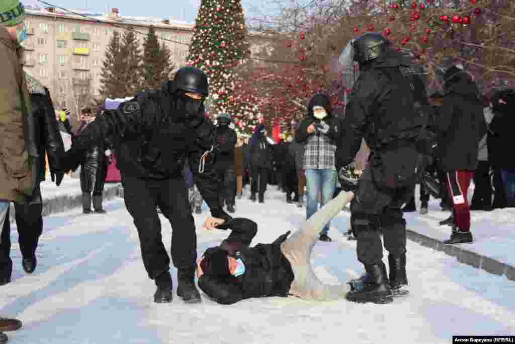 By mid-afternoon on January 23, some 87 detentions, one of the highest numbers in Russia, had occurred in the Siberian city of Novosibirsk, according to the non-governmental law-enforcement  watchdog OVD-Info.