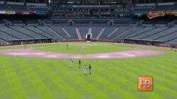 В Балтиморе прошел первый в истории бейсбольный матч без зрителей