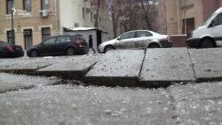 """Новая """"собянинская"""" плитка в Москве: тротуары, вымощенные два месяца назад, уже разваливаются"""