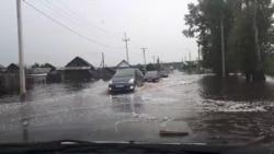 """""""Не мы виноваты, это дожди"""". Жители Тулуна ждут второй паводок и помощи от властей"""