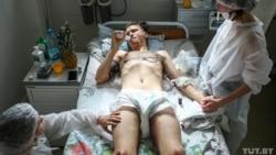 Алексей Курачев в больнице скорой медицинской помощи в Минске. Фото: Вадим Замировский, TUT.BY