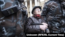 'I'm Not Afraid': The Belarusian Great-Grandmother Who Became A Symbol Of Protest