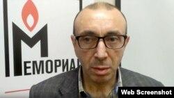 """Султанхан Ибрагимов в правозащитном центре """"Мемориал"""""""