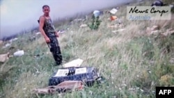 """Представитель сепаратистов на месте крушения """"Боинга"""" 17 июля 2014 года"""