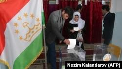 Избирательный участок в Душанбе, Таджикистан. 1 марта 2020 года