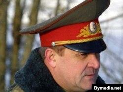 Владимир Усхопчик был заместителем министра обороны Беларуси в 2000-2004 годах