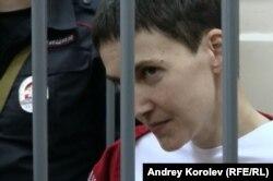Надежда Савченко в зале Басманного суда. Фото Андрея Королева