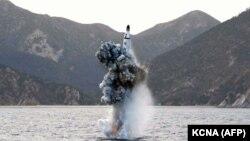 Испытание северокорейской баллистической ракеты, запущенной с субмарины 24 апреля 2016 года