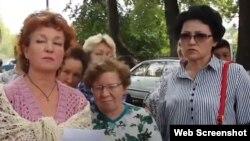 Галина Арзамасова (слева)
