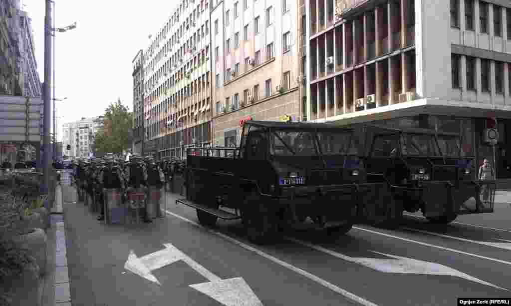 Полиция наблюдала за движением шествия