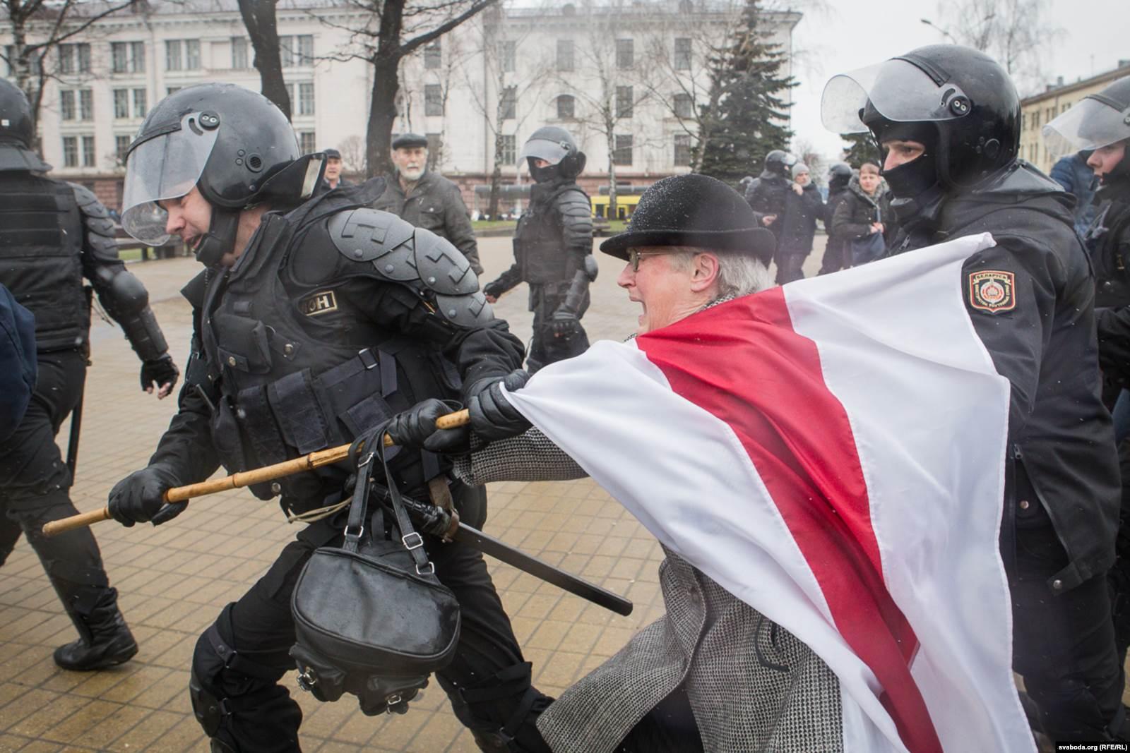 Нина Багинская на Дне воли в Минске 25 марта 2017 года. Фото: svaboda.org (RFE/RL)