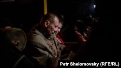 Captive exange between Donetsk and Kiev photo Petr Schelomovsky