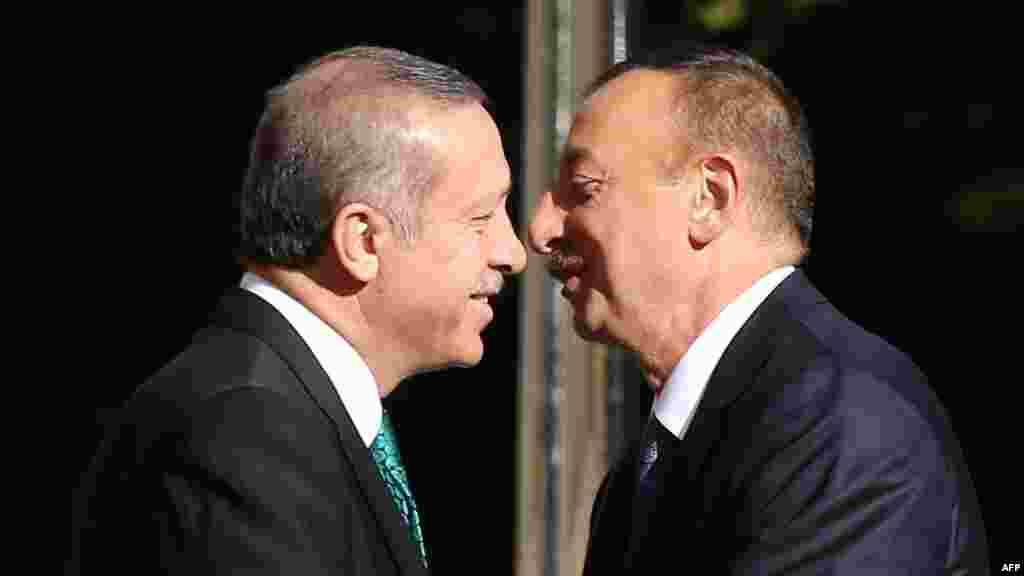Президент Турции Реджеп Эрдоган на встрече с Президентом Азербайджана Ильхамом Алиевым в Анкаре