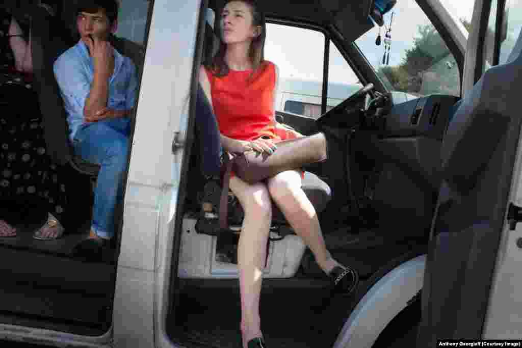 Маршрутки - наиболее распространенный, а иногда и единственный вид общественного транспорта в Сухуми и окрестностях