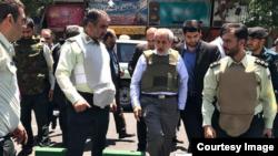 Прокурор Ирана Аббас Джафари Долатабади на месте нападения