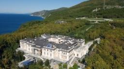 "Russia -- photos of ""putin's palace"" on the Black Sea coast"