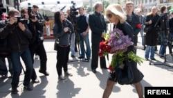 Вера Глаголева на похоронах Олега Янковского, Москва, 21 мая 2009
