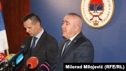 Глава МВД Республики Сербской Драган Лукач и глава полиции Баня-Луки Дарко Чулум дают пресс-конференцию