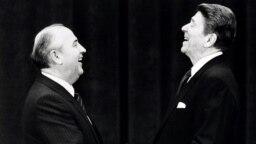 Михаил Горбачев и Рональд Рейган, 19 ноября 1985 год