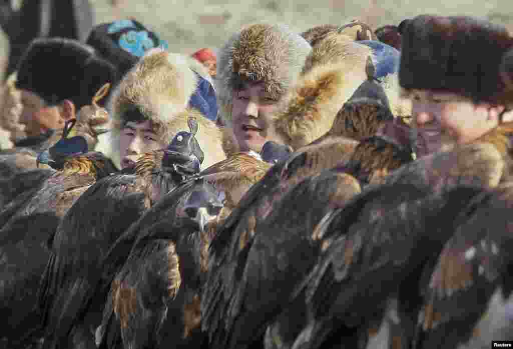 Охота с ловчими птицами – семейное ремесло. Кусбеги передают секреты и традиции своего дела из поколения в поколение
