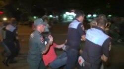 Столкновения между полицией и протестующими в Армении