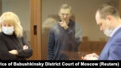 Алексей Навальный в суде по делу о клевете на ветерана, 16 февраля 2021 года. Фото: Reuters